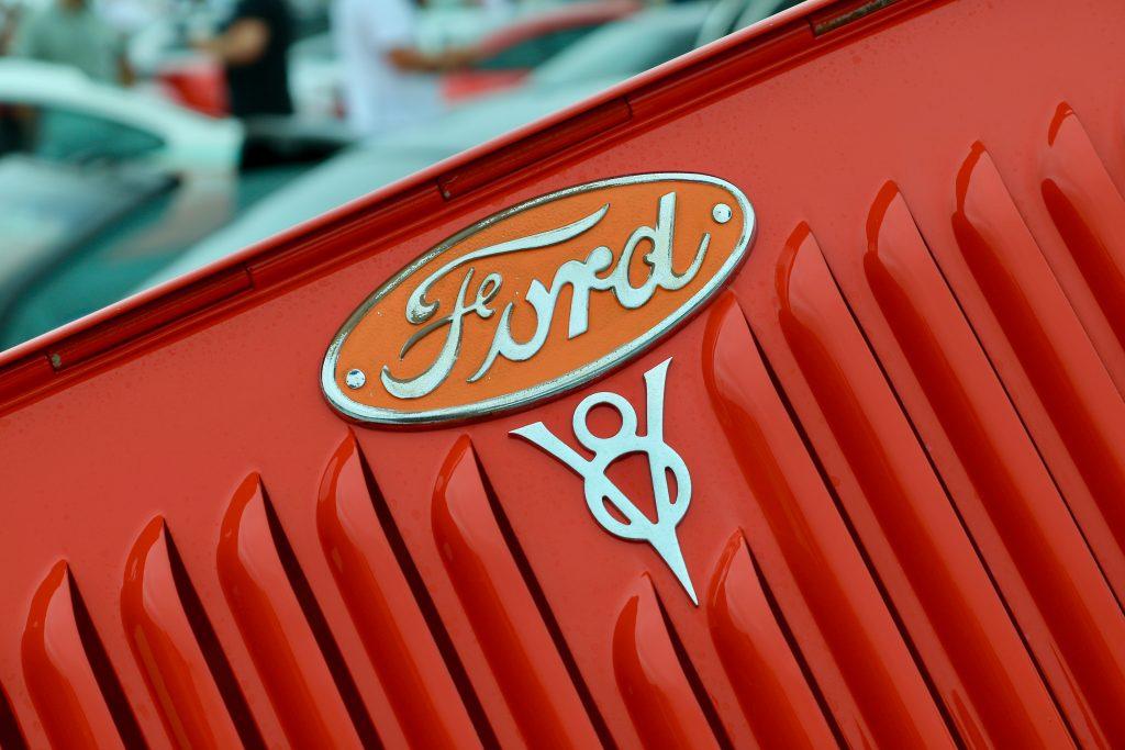 altes original Ford Zeichen