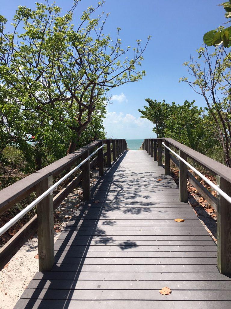 Steg zum Bowman Beach